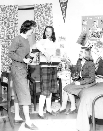 "Students ""selling sandwiches room to room,"" 1946. Photograph by William Peck."